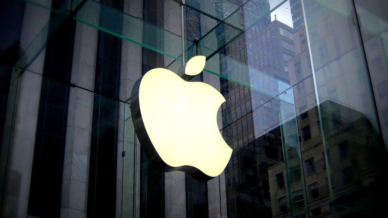 10 yıl sonra bir ilk: Apple gelirleri ve kârı düştü