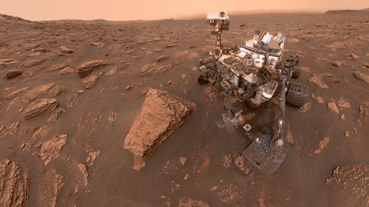 Curiosity'den görev öncesi selfie geldi!