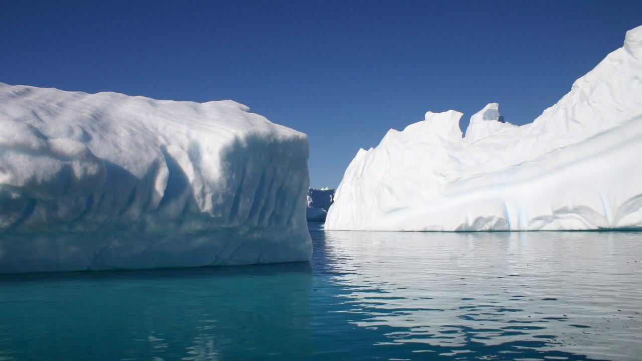 NASA Antarktika'da devasa çukur keşfetti!
