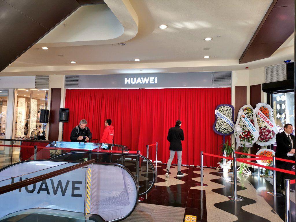Fotoğraflarla Huawei İzmir mağazası! - Page 1