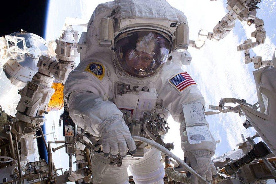 Cem Yılmaz'dan NASA'ya cevap: İşim var! - Page 1