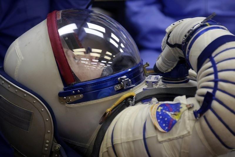 Cem Yılmaz'dan NASA'ya cevap: İşim var! - Page 2