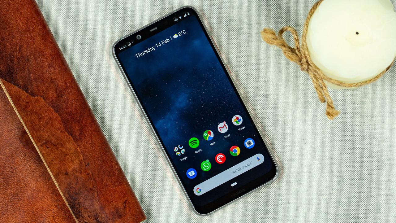 Yeni akılsız telefonumuz: Nokia 210!
