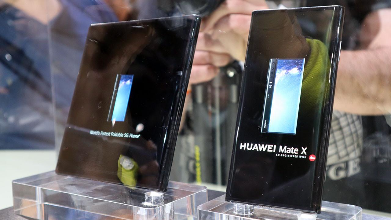 İlk bakış: Huawei Mate X (video)