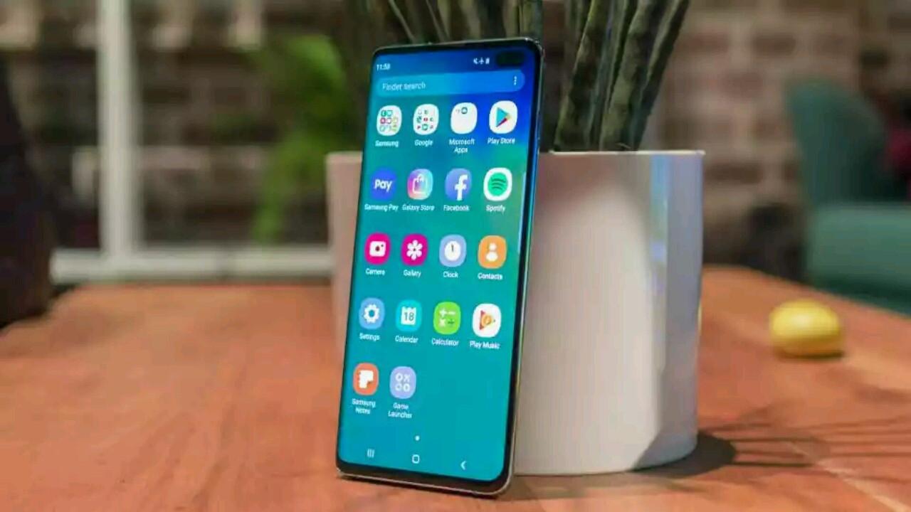 Samsung Galaxy S10 ilk güncellemesini aldı