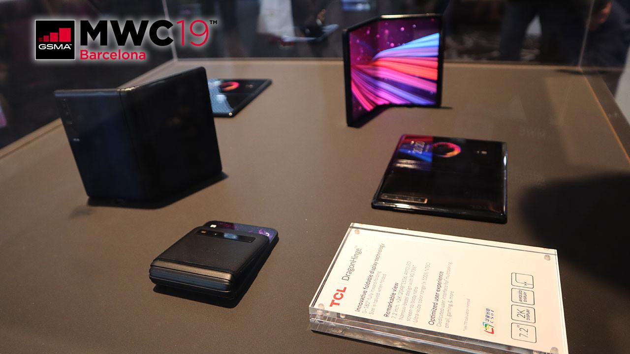MWC'de TCL katlanabilir telefonlarına baktık! (video)
