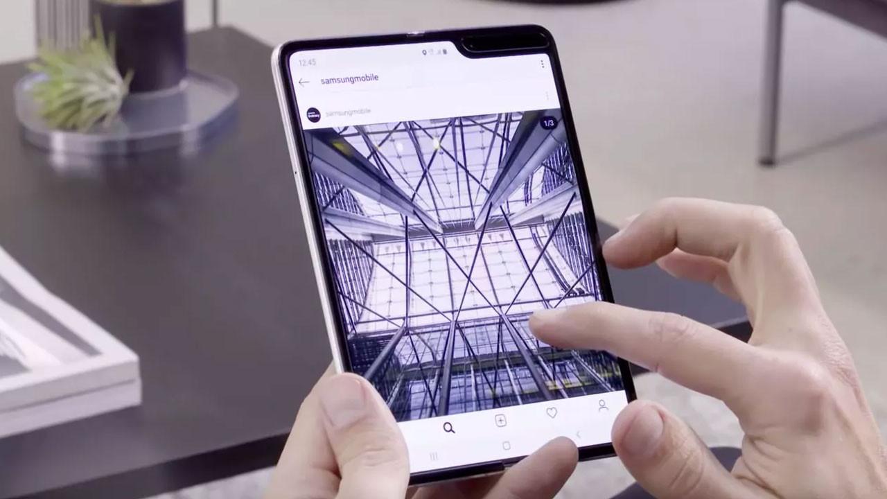 Samsung Galaxy Fold'un ekranı ücretsiz değiştirilebilecek