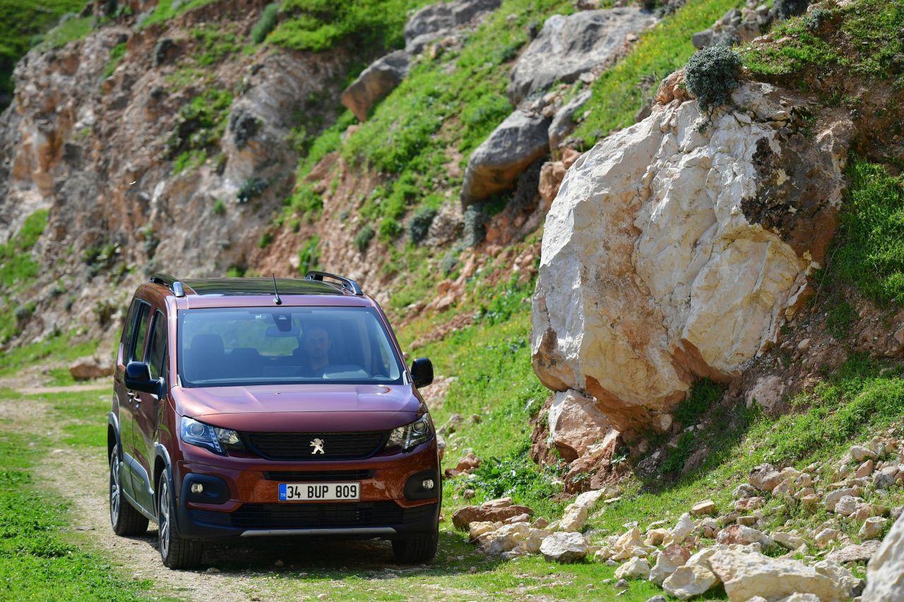 Yeni Peugeot RIFTER Türkiye fiyatı belli oldu - Page 3