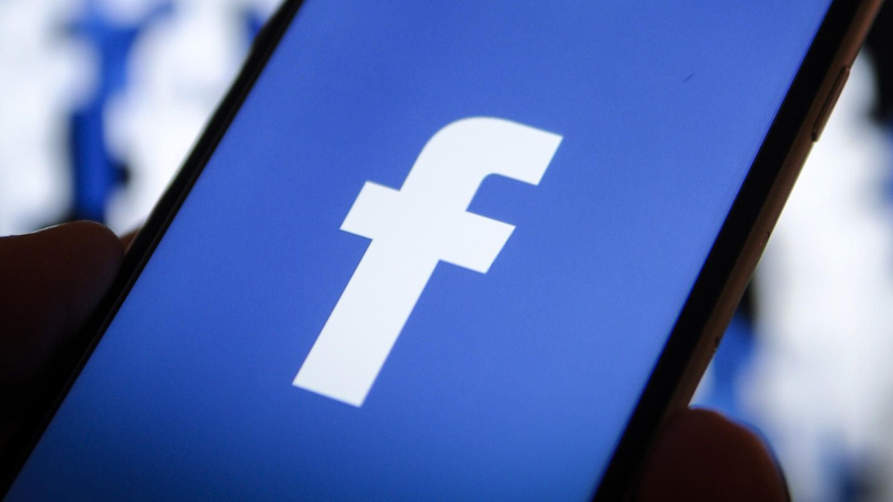 Facebook'tan şifre skandalı!