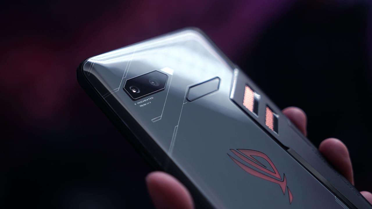 Asus ROG Phone 2 geliyor!