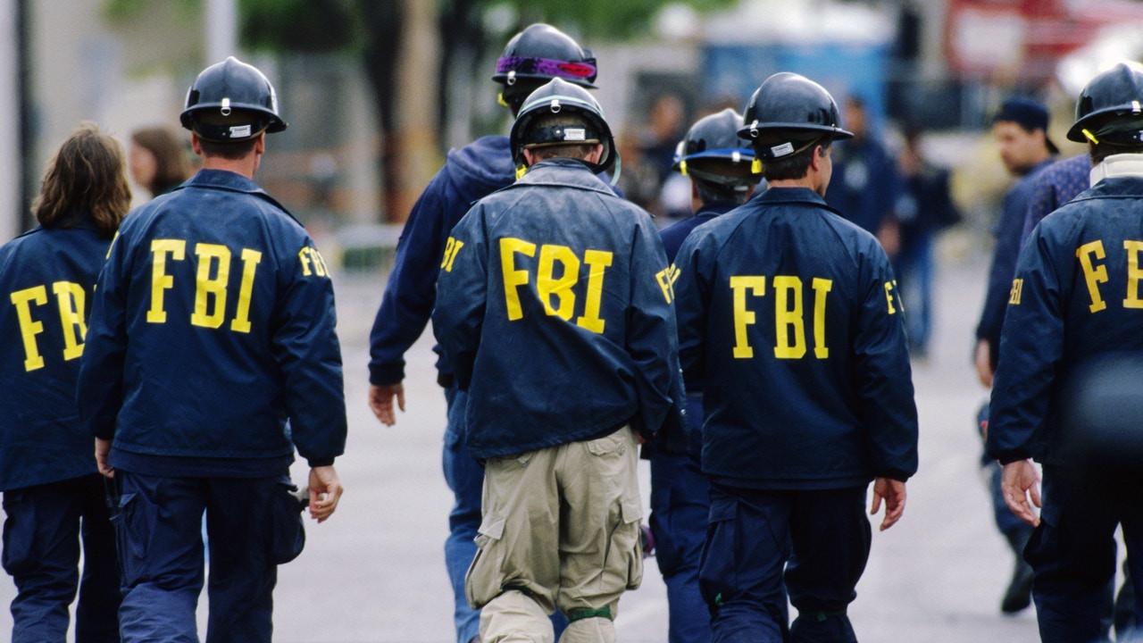 FBI hacklendi!