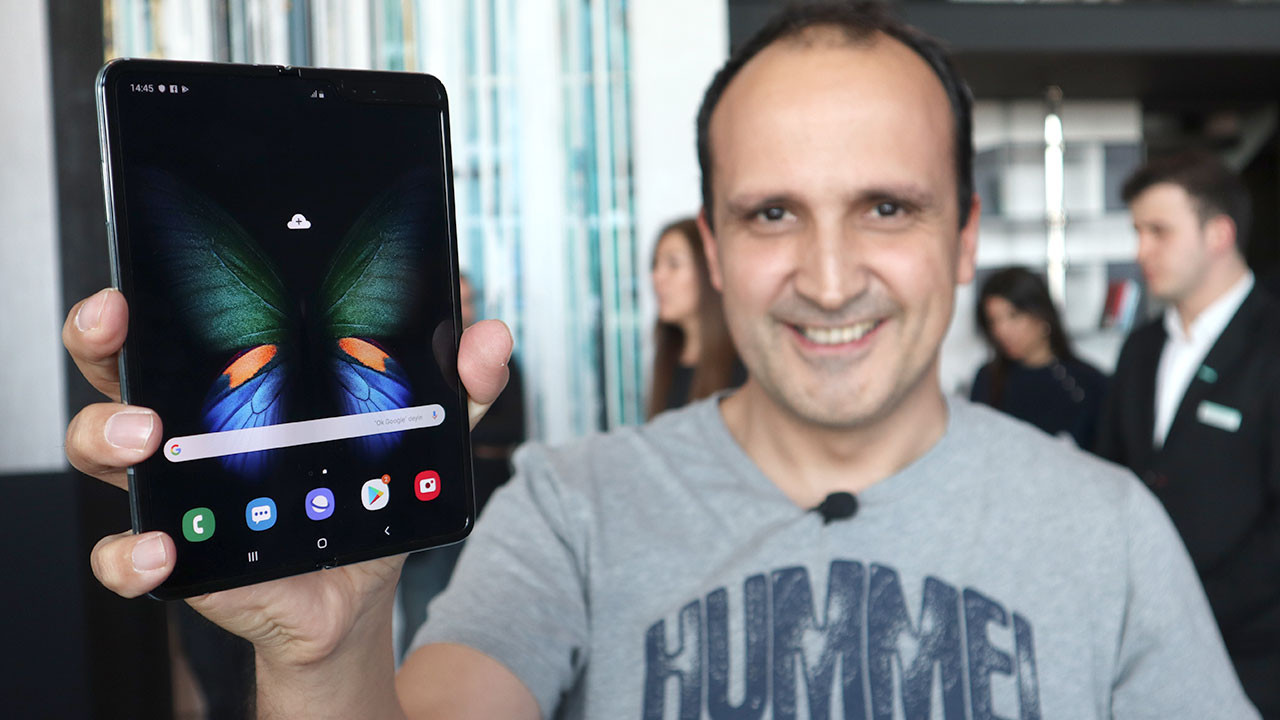 Samsung Galaxy Fold elimizde (video)