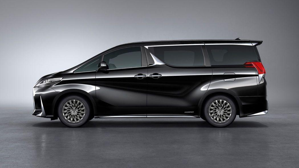 Lüks minivan Lexus LM tanıtıldı - Page 4