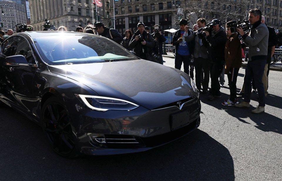 Tesla 2020'de sürücüsüz taksi hizmeti başlatacak! - Page 3