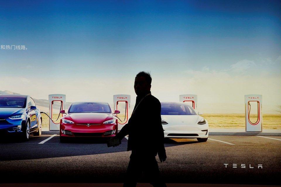 Tesla 2020'de sürücüsüz taksi hizmeti başlatacak! - Page 4