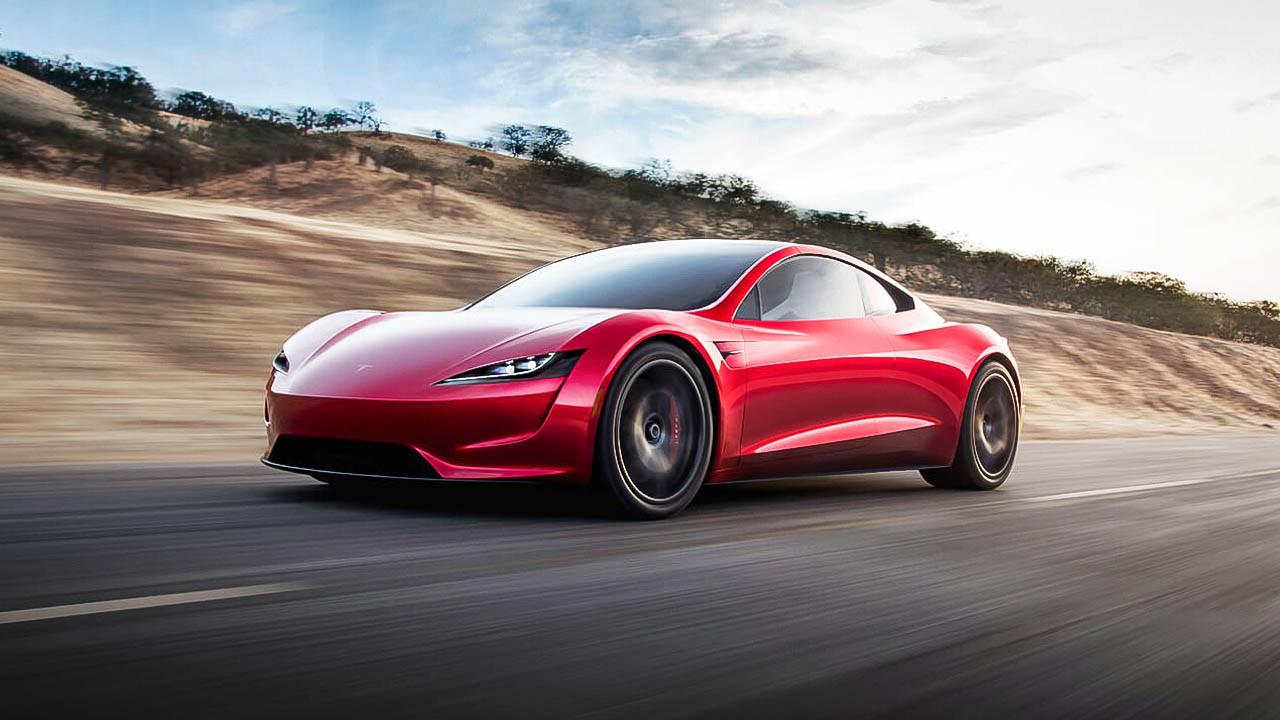 Yeni Tesla Roadster kapılarının açılışıyla şaşırtıyor