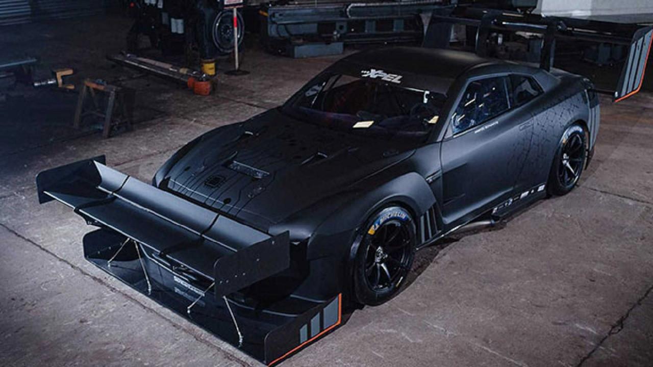 1600 beygirlik Nissan GT-R yarışta