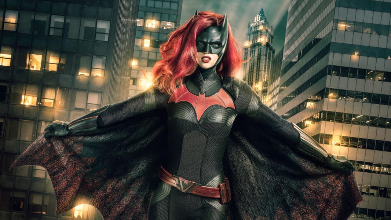 Batwoman'dan ilk teaser görücüye çıktı!