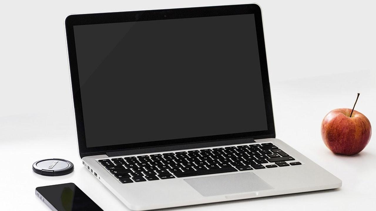 Apple'dan ücretsiz MacBook klavye değişim programı