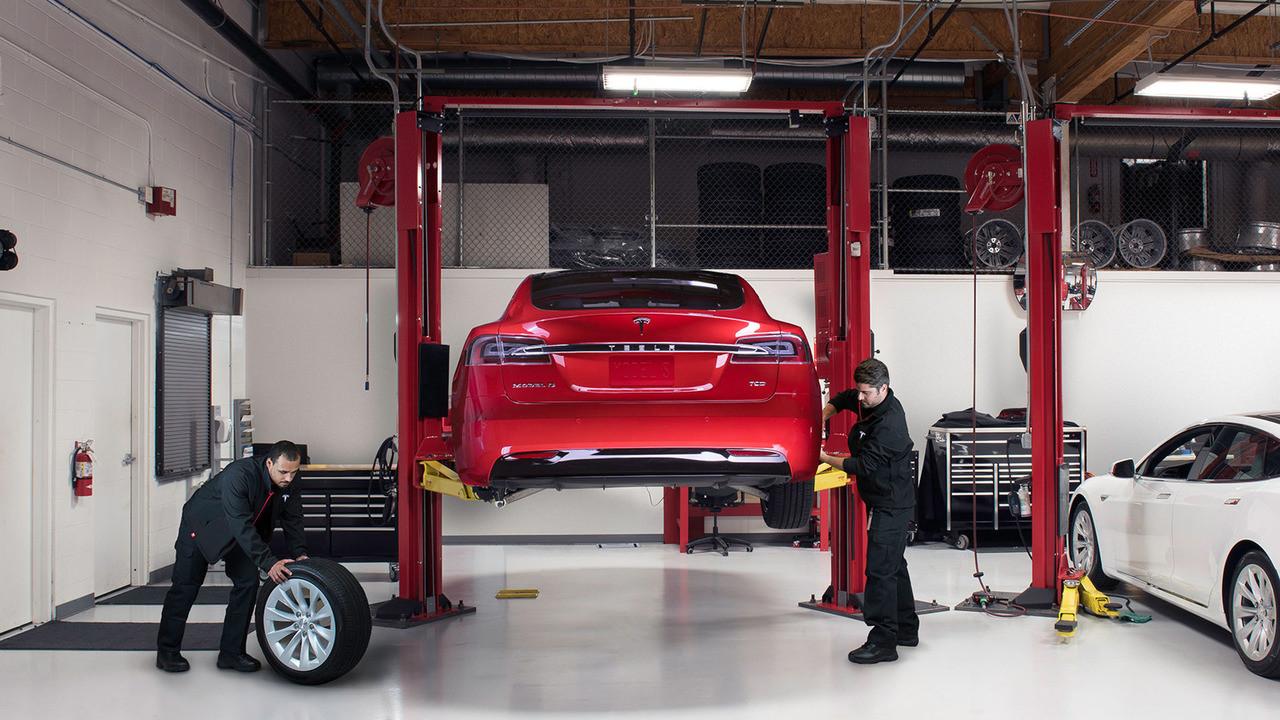 Tesla araçlar arızalı parçalarını otomatik tespit edecek!