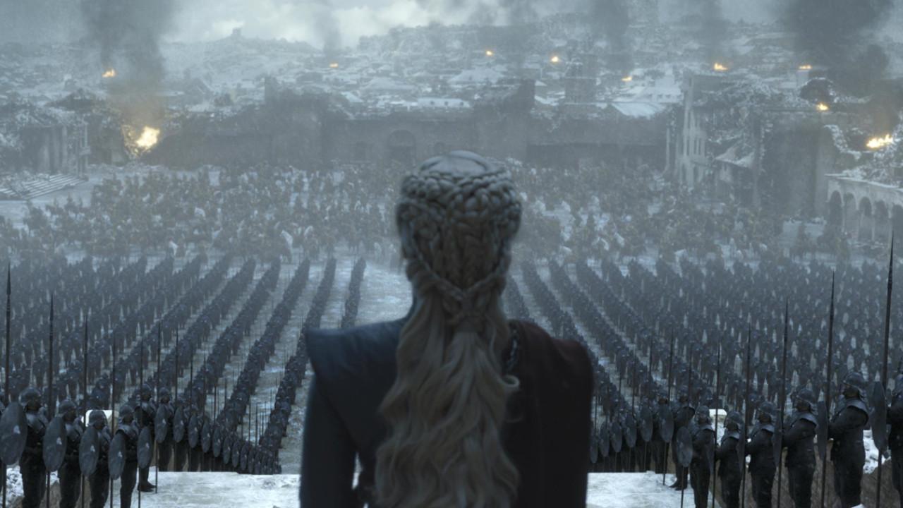 Game of Thrones finalinde su şişesi skandalı!