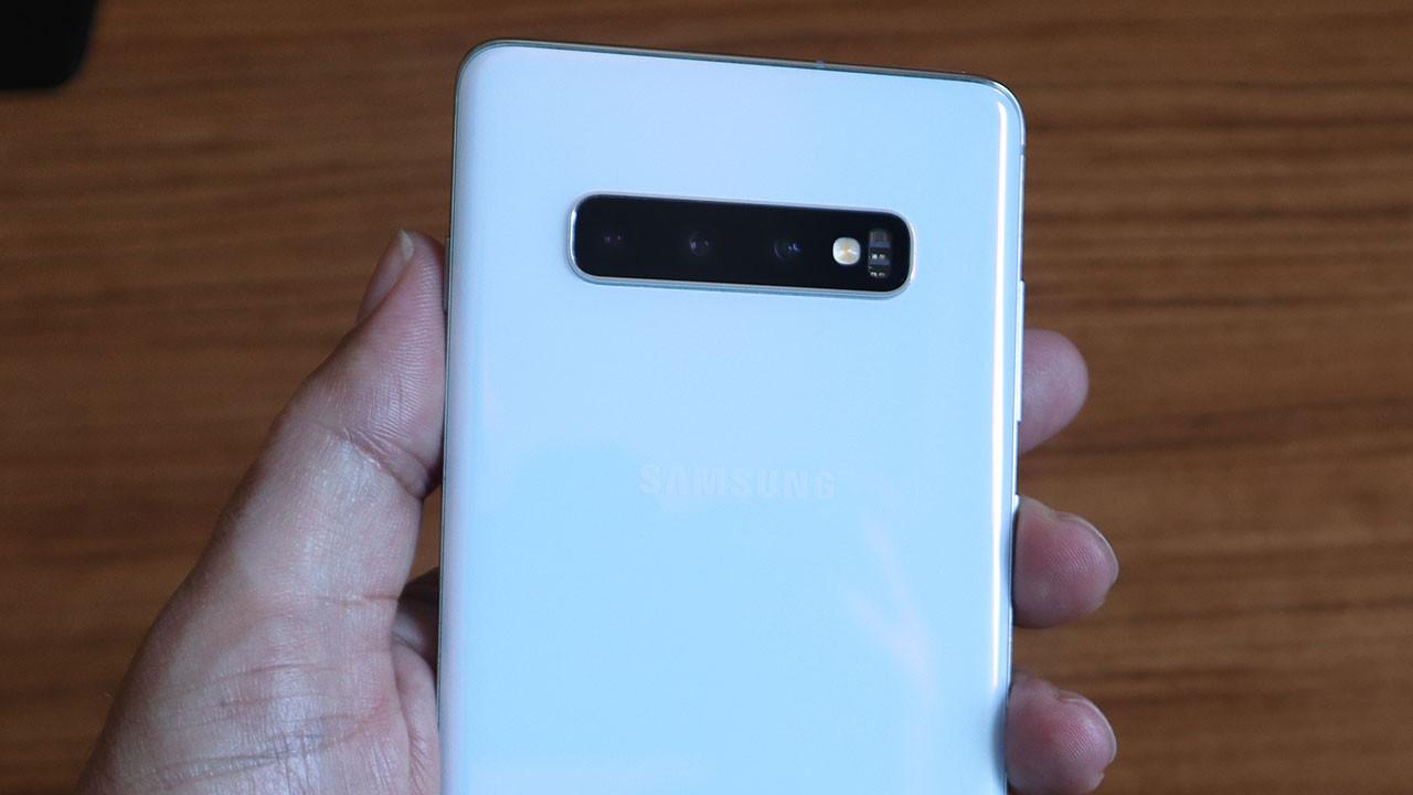 Samsung Galaxy S10+ kamerasına göz attık (video)