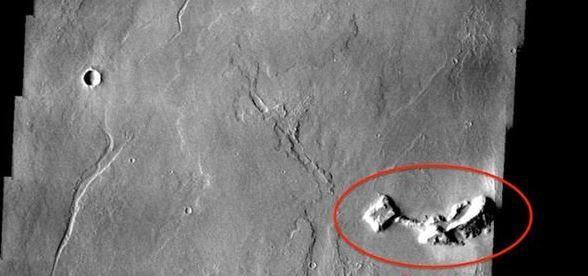 Mars'taki binayı uzaylılar mı yaptı? - Page 2