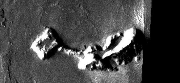 Mars'taki binayı uzaylılar mı yaptı? - Page 3