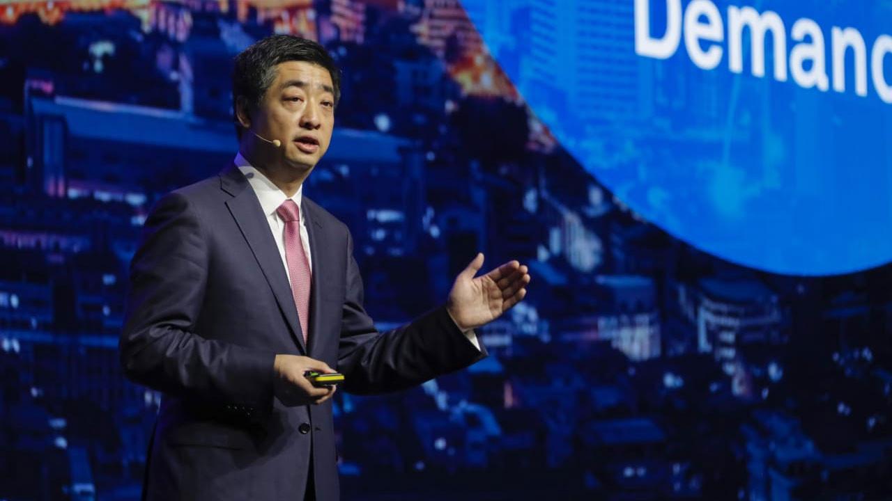 Huawei CEO'su: Kısıtlamalar teknolojiye ve ticarete zarar veriyor