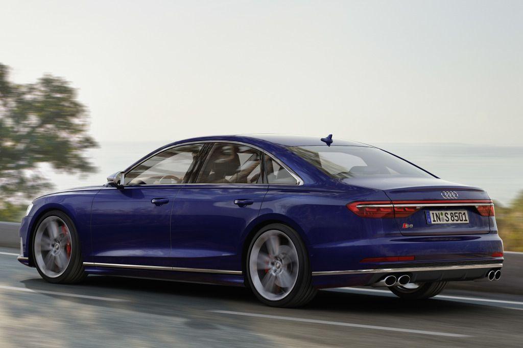 Audi S8 çift turbolu V8 motoru ile tanıtıldı - Page 3