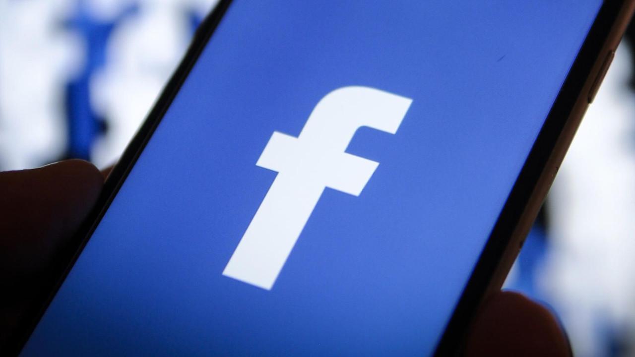 Facebook'a 2 milyon euro'luk ceza!