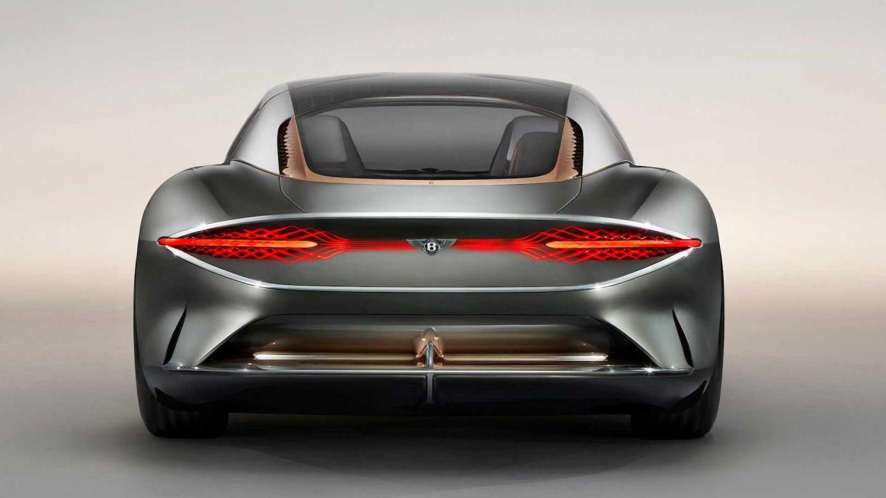 100. yıl için özel tasarım Bentley EXP 100 GT - Page 4