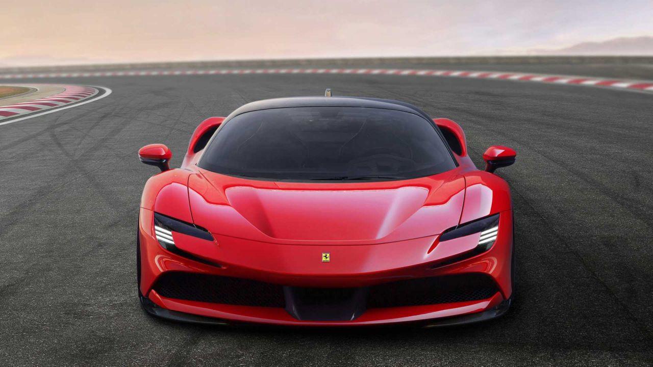 Ferrari SF90 Stardale kendini gösterdi - Page 1