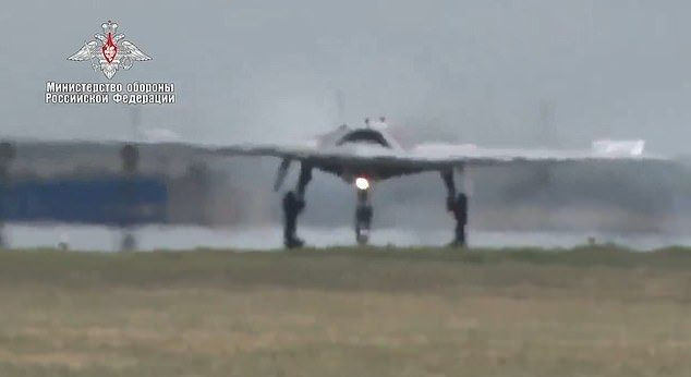 Rusya'nın 'avcı drone'undan ilk görüntüler yayınlandı - Page 1