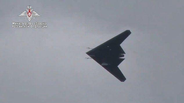 Rusya'nın 'avcı drone'undan ilk görüntüler yayınlandı - Page 3