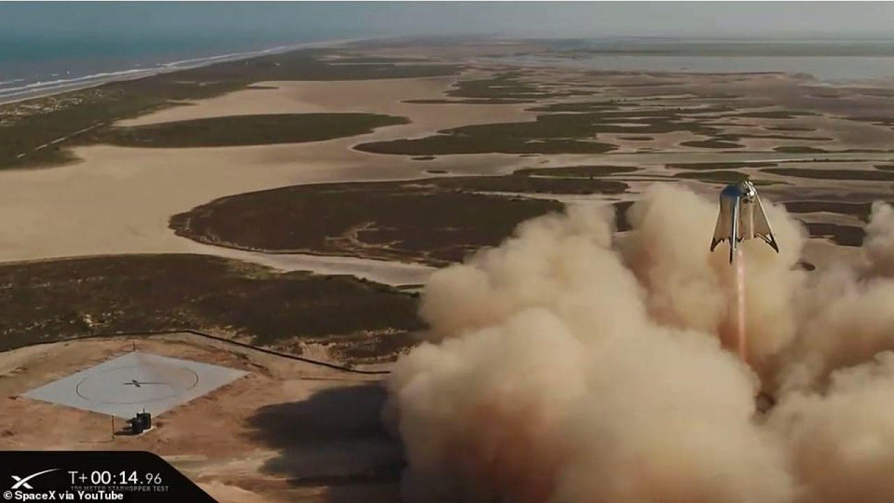 Elon Musk'ın Mars roketi test uçuşunu başarıyla tamamladı!