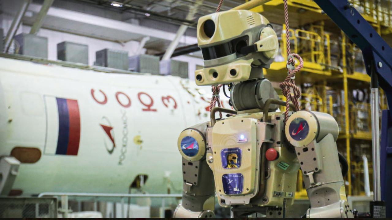 Rusya'nın insansı robotu FEDOR dünyaya döndü