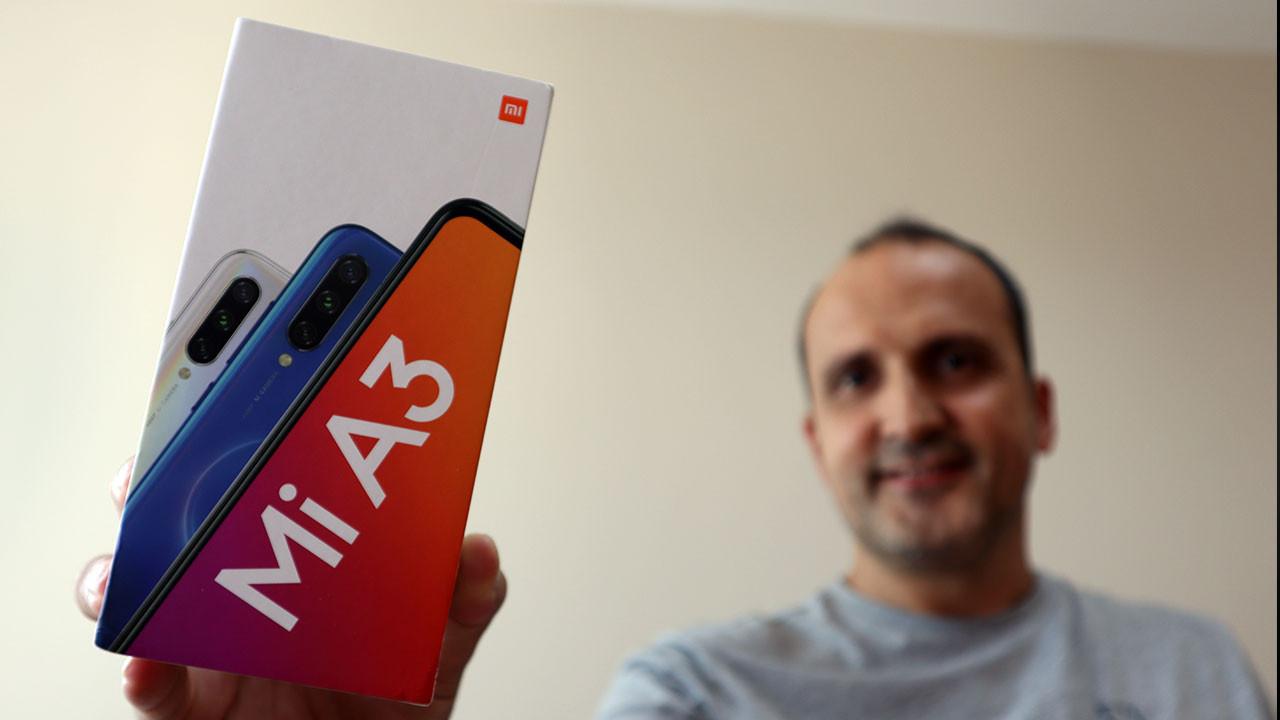 Xiaomi Mi A3 kutudan çıkıyor! (video)