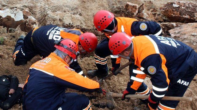 Deprem sonrası, göçük altında yapılması gerekenler! - Page 4