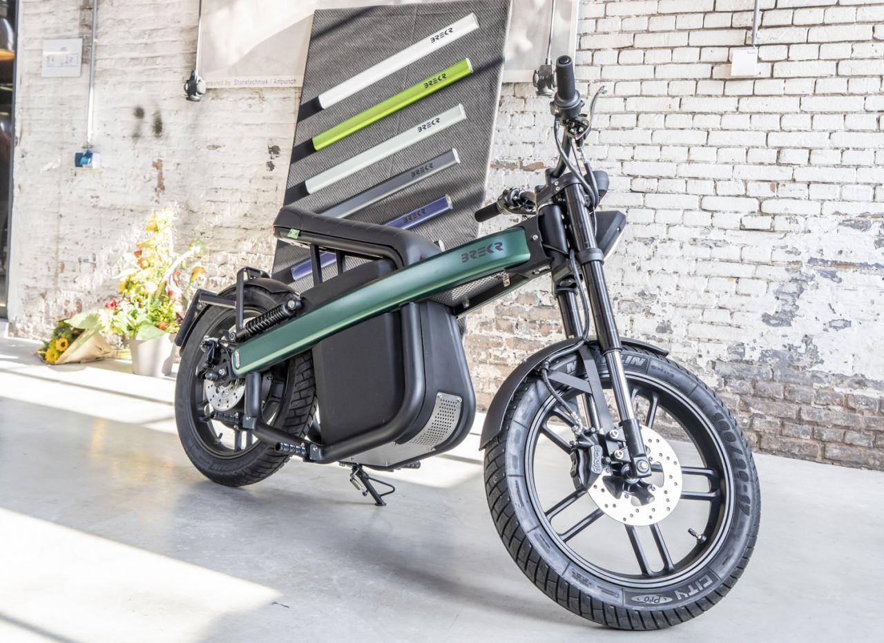 160 km menzilli elektrikli motosiklet: Brekr Model B - Page 2