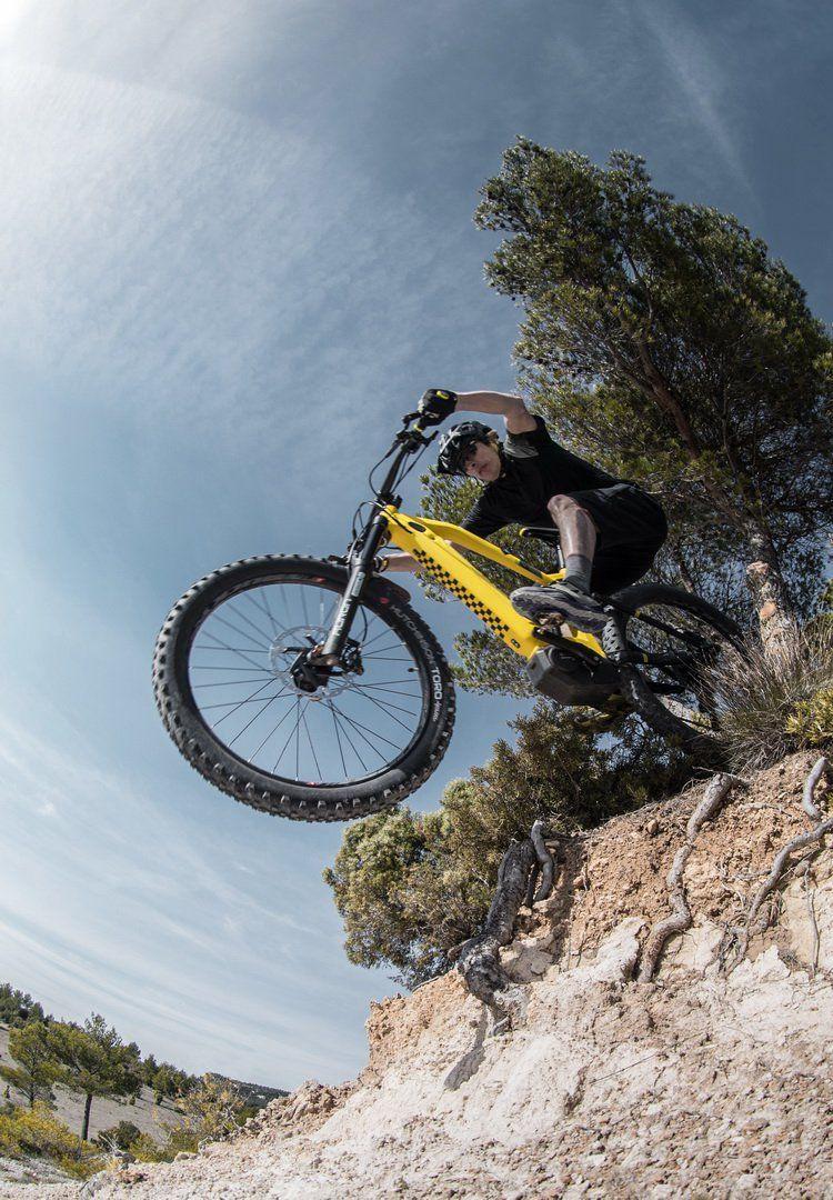 Otomobil menzili sunan elektrikli dağ bisikleti: eM01 FS PowerTube - Page 1