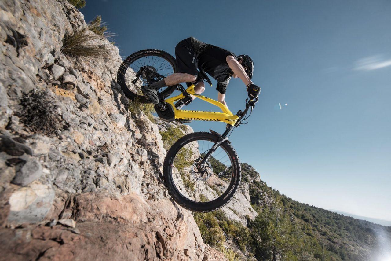 Otomobil menzili sunan elektrikli dağ bisikleti: eM01 FS PowerTube - Page 4