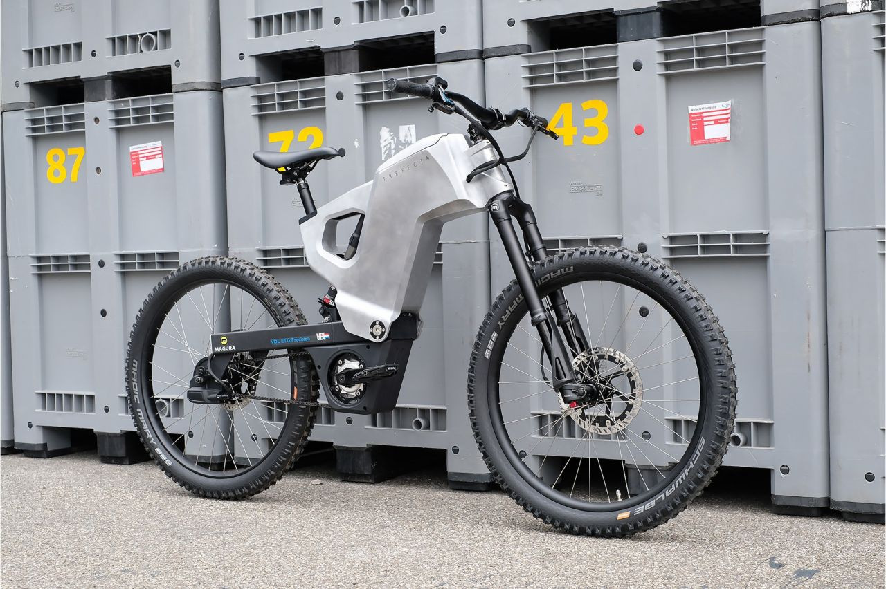 Tank konseptli elektrikli bisiklet: Trefecta RDR - Page 4