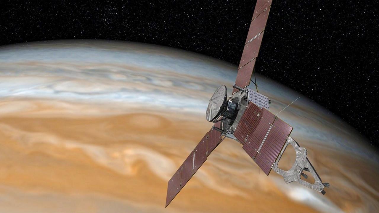 NASA, Jüpiter'de oldukça büyük bir kasırga keşfetti!