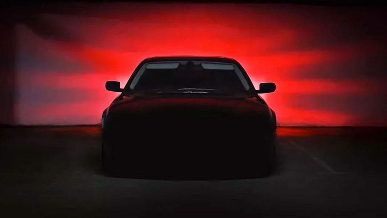 Yerli otomobil fotoğrafında dikkat çeken detay!