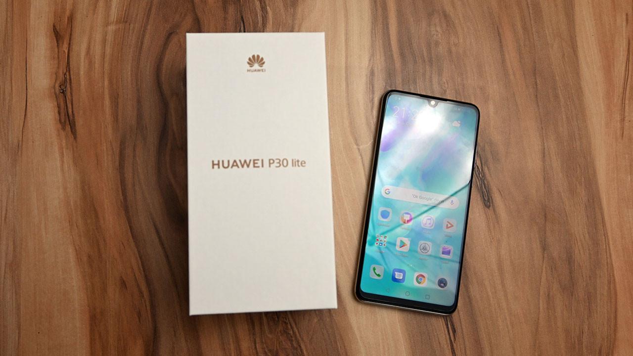 Yenilenen Huawei P30 lite kutudan çıkıyor (video)