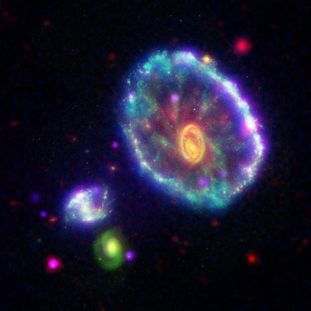 NASA uzay teleskobu Spitzer'in fişini çekti! - Page 3