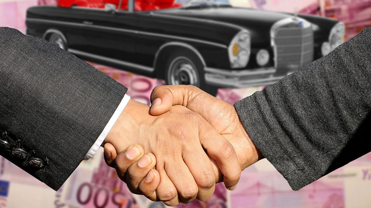 İkinci el otomobil fiyatları uçtu!