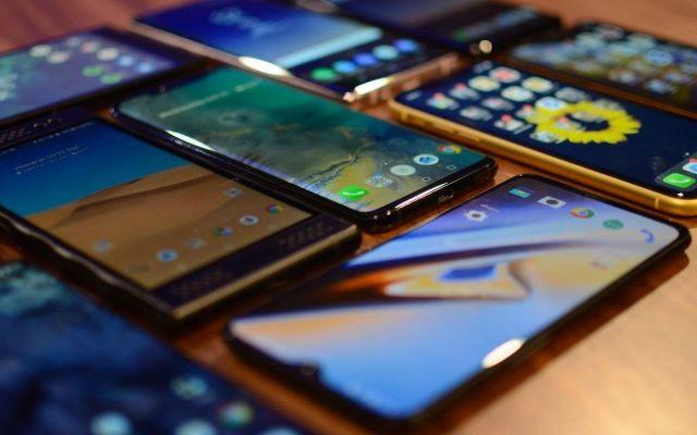 Akıllı Telefon Fiyatları Düşüyor