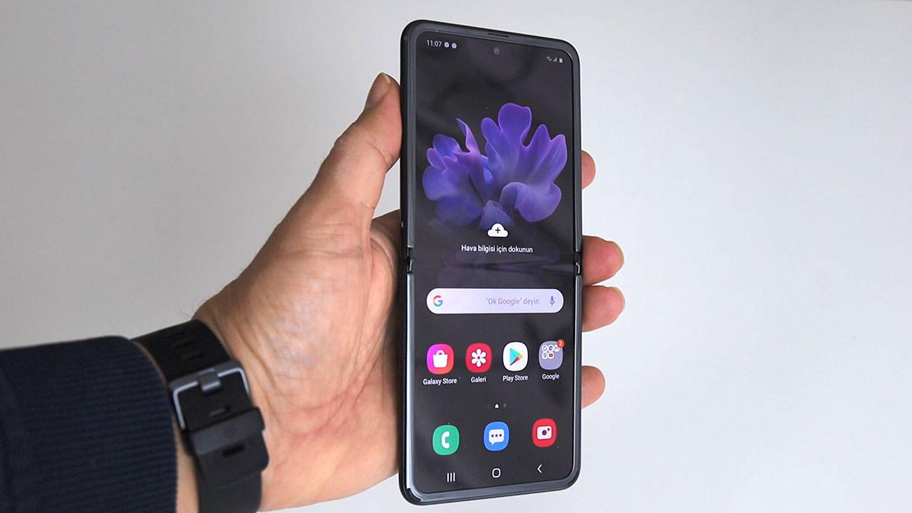 İşte uygun fiyatlı Galaxy Z Flip Lite!